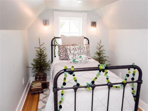 Diy Upcycled - joanna gaines farmhouse christmas decor is cheery and charming all created
