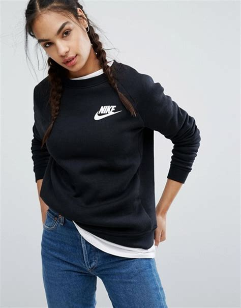 Tshirt Levis Soul Colection nike nike rally sweatshirt in black with small futura logo