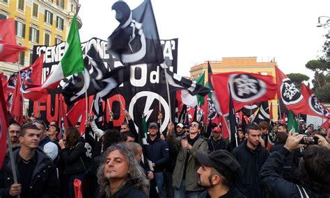 casa pound roma roma sfila il corteo di casapound tgcom24 foto 1