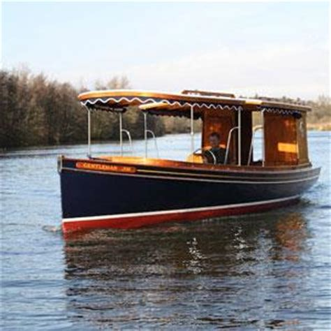 charter boat fishing great yarmouth boat trip at the waterside rollesby boat trips great