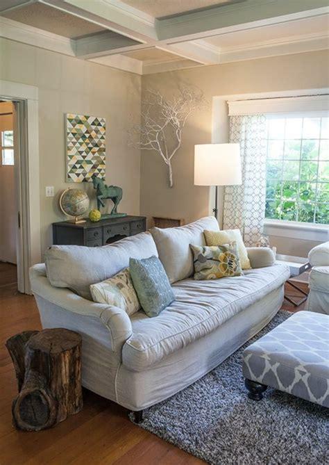 moderne kissen für sofa wohnzimmer braun wei 223 streichen