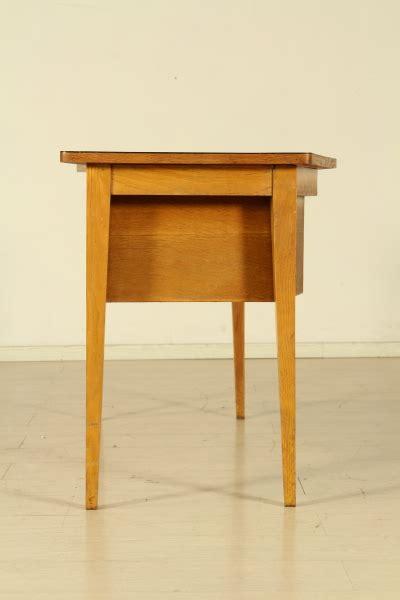 scrivania anni 50 scrivania anni 50 tavoli modernariato dimanoinmano it