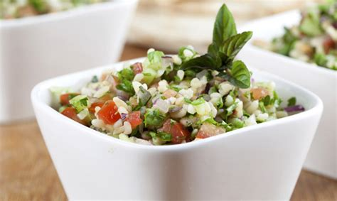 persiana recetas de oriente 8416295042 cocina refrescante aprende a preparar tabul 233 la ensalada de oriente medio