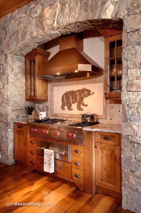 Rustic Cabin Kitchen Cabinets by Best 25 Rustic Cabin Kitchens Ideas On Pinterest Log