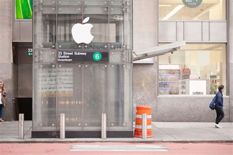rubber st store nyc improv everywhere creates apple store out of nyc s