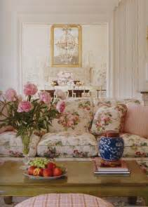 floral fabric sofa best 25 floral sofa ideas on pinterest floral couch