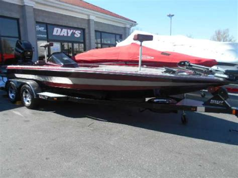 boats for sale in frankfort ky 2012 bullet 21xrd 22 foot silver 2012 boat in frankfort