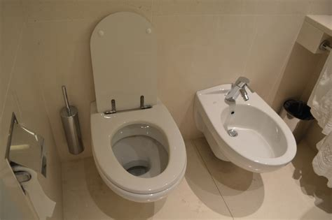 bidet italy toilet gabinetto and bidet at ergife palace hotel in rom