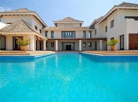 dream house a pool in the front of the house is a bit 1000 images about really big homes on pinterest