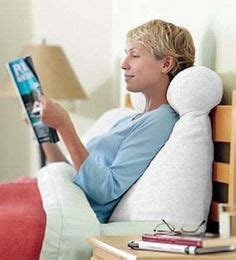 pillows that help you sit up in bed 1000 images about reading in bed on pinterest pillows