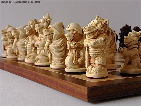 fun dragon plain theme chess set