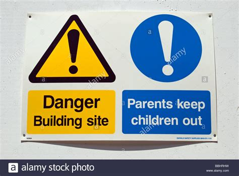 A Warning To Other Parents Of Pre Schoolers Do N Snarkspot by Danger Building Site And Parents Keep Children Out Signs