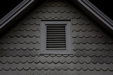 scalloped siding   farmhouse decor exterior