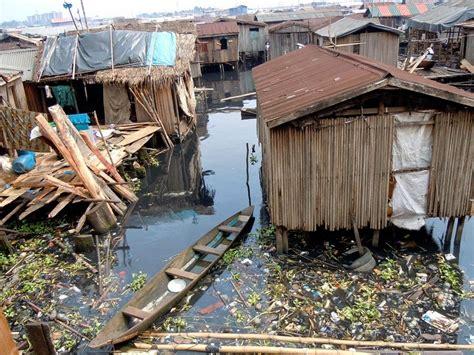 Pop Up House Usa by Makoko Un Pobre Barrio Marginal Flotante En Nigeria Ruta 33