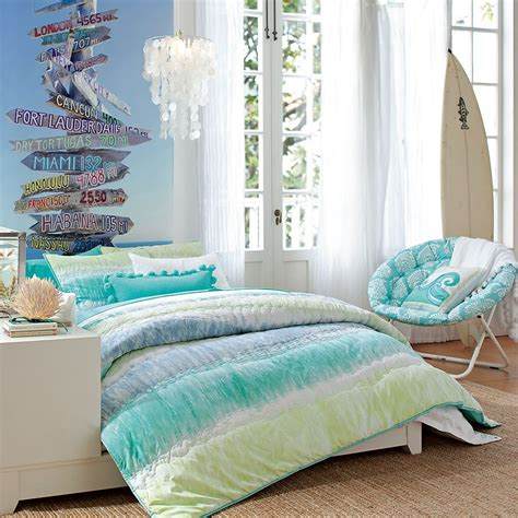 beachy decorating ideas beach bedroom design for your passion and relaxation