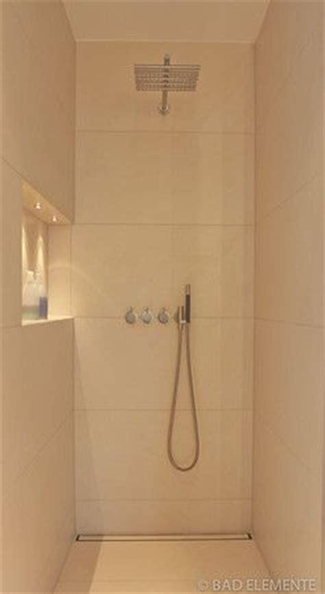 master badezimmerdusche fliesen ideen fliesen sport and duschen on