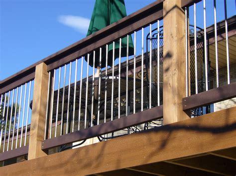 custom decks  railings