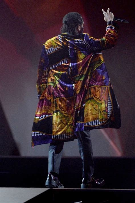 kendrick lamar awards kendrick lamar in versace brit awards 2018 fashionsizzle