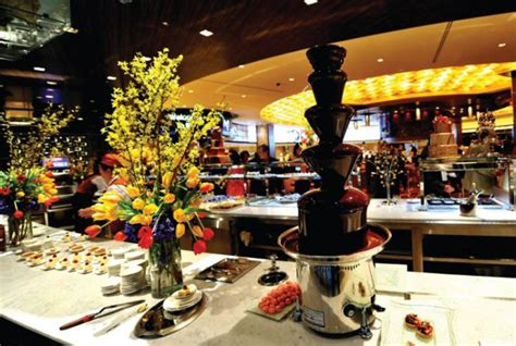 the m buffet las vegas guide to the most extravagant las vegas buffets