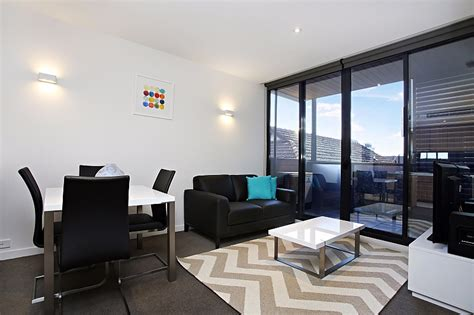 3 bedroom apartment melbourne 28 images melbourne apartment 705 at 108 flinders serviced apartments