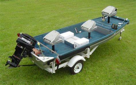 fast aluminum jon boats simple customized jon boat a hole in the water fish