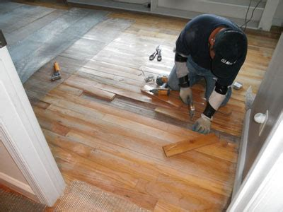 How to install epoxy coating over wood substrate?