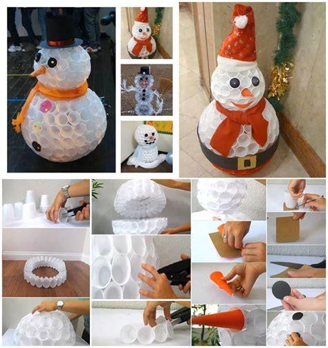 pupazzo di neve con bicchieri di plastica pupazzo di neve con bicchieri di plastica passionando