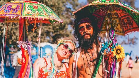 immagini hippie figli dei fiori we asked the hippies at lightning in a bottle what being a