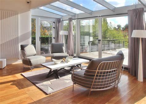 Exceptionnel Salle De Bain Zen Bois #5: Agence-Avous-maison-renovation-luxe-tapis-toulemonde-bochard-pliages-table-basse-roche-bobois-saga-canape-passio.jpg