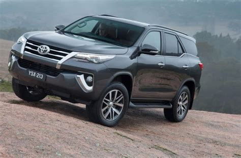 Pictures Of Toyota Suvs Toyota Introduced The Suv Fortuner 2016 Garage Car