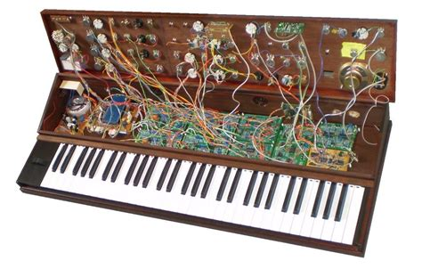 swing synth notes on an analogue synth