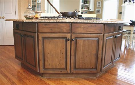 Glaze Oak Kitchen Cabinets by Using Toner And Glaze To Darken Existing Cabinets