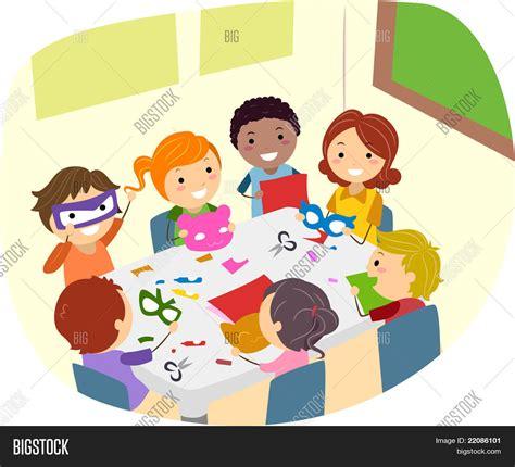 imagenes niños haciendo manualidades vector y foto ilustraci 243 n de ni 241 os haciendo bigstock