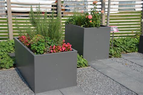 Hochbeet Als Sichtschutz Bepflanzen by Alles F 252 R Haus Und Garten Aus Metall