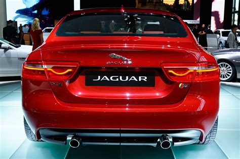 jaguar back jaguar xe goes green but looks better in red