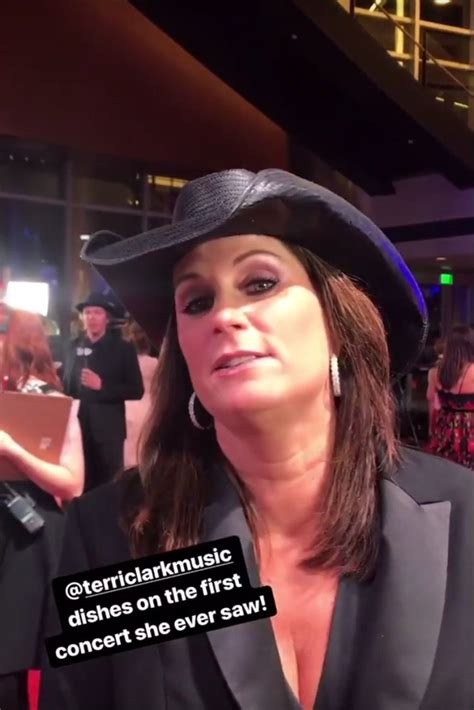pin  traci bell  tc country female singers country  artists country