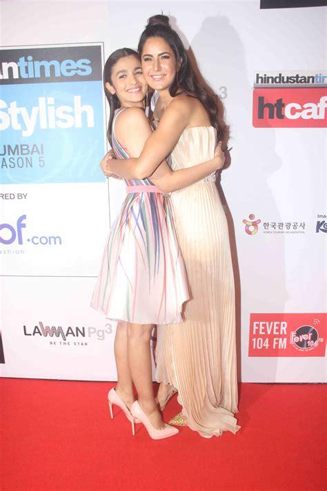 20 Top Stylish And katrina kaif hugs sanjay dutt alia bhatt at awards