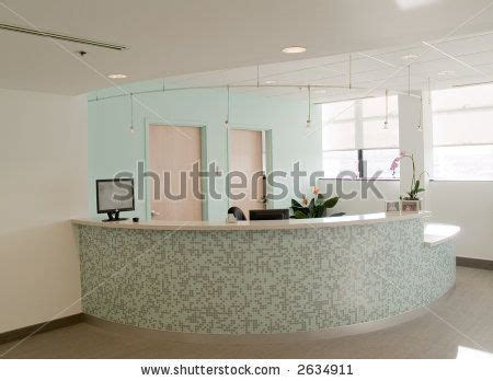 Tiled Reception Desk The Colors The Mosaic Tile On The Curved Reception Desk With The Square Edge White Top
