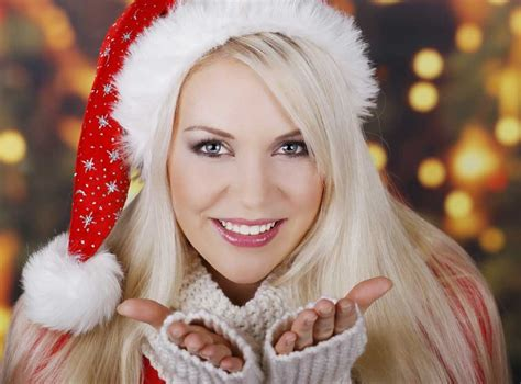 cutest christmas girls profile dp  whatsapp freshmorningquotes