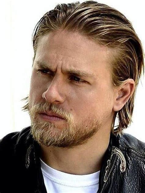 how to get charlie hunnam hair charlie hunnam haircut level up your obsession with jax