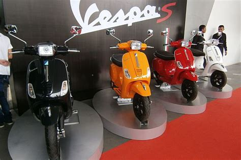 Kotak Pensil Unik Model Motor Vespa vespa s 150ie padukan aksen klasik dan modern