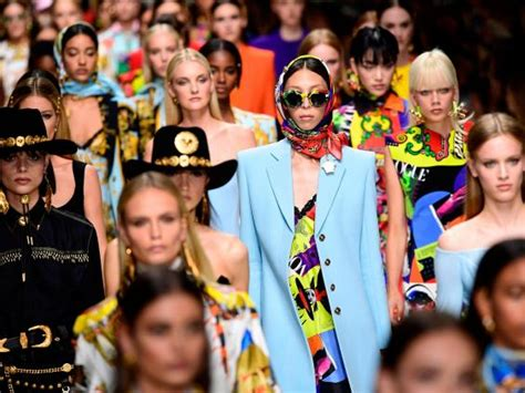 Ten Years On Pay Tribute To Gianni Versace by Original 90s Supermodels Pay Tribute To Versace At Milan