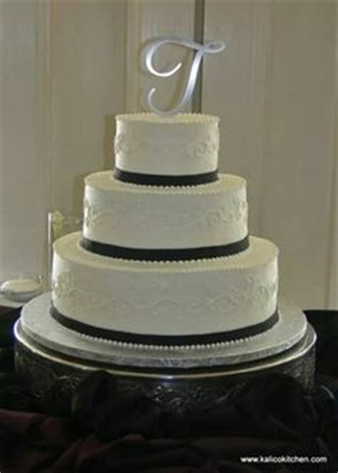 White On White Buttercream Scroll 1000 Images About 3 Tier Wedding Cakes On