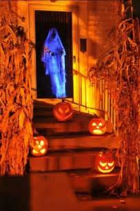 Scary Halloween Decorations To Make At Home by 25 Halloween Decorations To Make Yourself Magment
