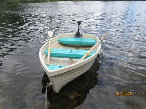 row boat with motor 8 foot walker bay row boat c w electric motor central