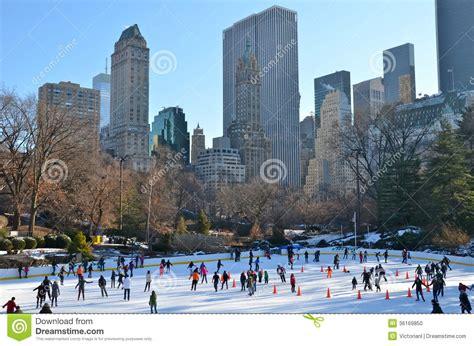 Im To New York 2 by Weihnachten Im Central Park New York Stockfoto Bild