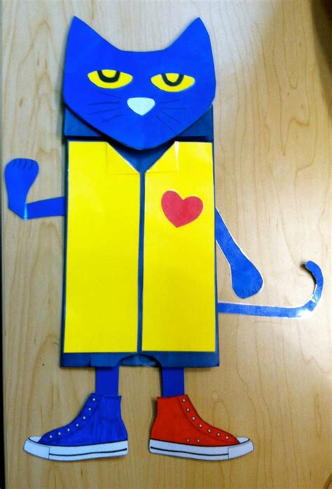 Paper Bag Cat Craft - pete the cat paper bag puppet teaching classroom