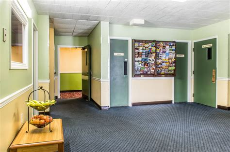 2 bedroom suites in lancaster pa country inn suites rodeway inn amish country in lancaster hotel rates