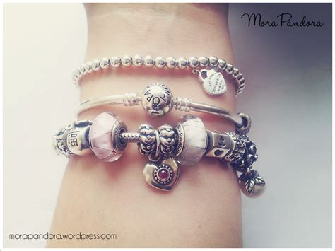 Review: Pandora Moments Bangle   Mora Pandora