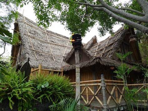 Tiki Hut Disneyland by Walt Disney S Enchanted Tiki Room Disneyland Ca